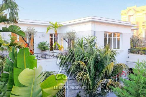 Дом класса люкс на продажу  Ницца, 255 м², 4 Спальни, 2250000€