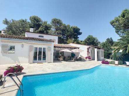 Villa de luxe à vendre MOUGINS, 220 m², 4 Chambres, 1820000€