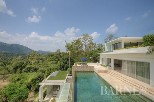 Дом класса люкс на продажу  Тайланд, 1100 м², 6 Спальни, 2400000$