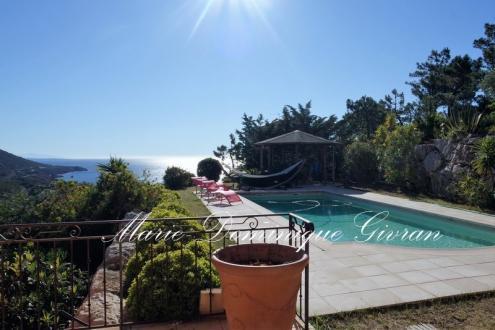Luxus-Villa zu verkaufen SAINT RAPHAEL, 260 m², 4 Schlafzimmer, 1185000€