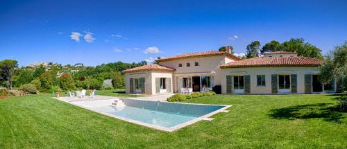 Luxus-Haus zu verkaufen MOUGINS, 300 m², 4 Schlafzimmer, 2900000€