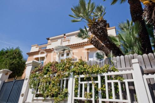 Вилла класса люкс на продажу  Эз, 170 м², 3 Спальни, 1490000€