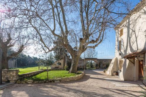 Luxus-Farm zu verkaufen PERNES LES FONTAINES, 405 m², 8 Schlafzimmer, 1150000€