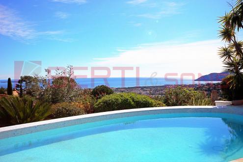 Luxus-Haus zu verkaufen MANDELIEU LA NAPOULE, 130 m², 3 Schlafzimmer, 998000€