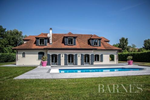 Luxus-Villa zu verkaufen PREVESSIN MOENS, 441 m², 8 Schlafzimmer, 2200000€