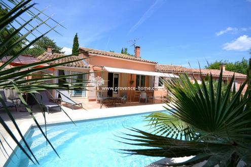 Casa di lusso in vendita ROUSSILLON, 190 m², 4 Camere, 597000€