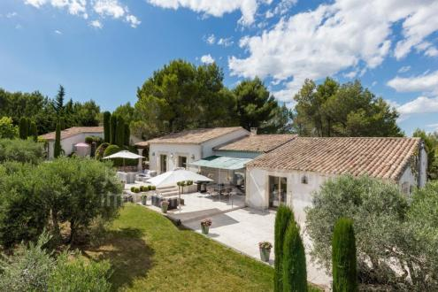 Maison de luxe à vendre EYGALIERES, 250 m², 5 Chambres, 3450000€