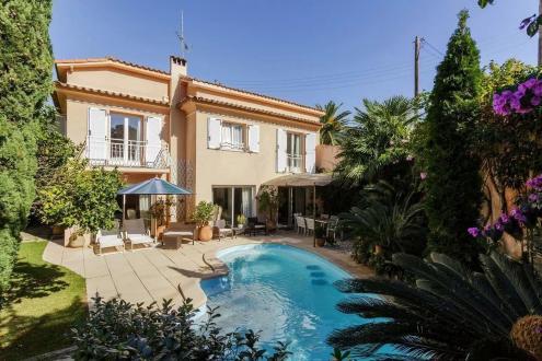Luxus-Villa zu verkaufen CAP D'ANTIBES, 160 m², 4 Schlafzimmer, 1690000€