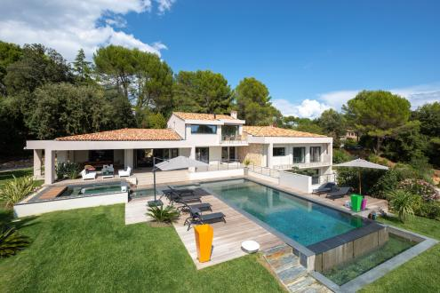 Luxury House for rent VALBONNE, 300 m², 6 Bedrooms,
