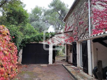 Villa de luxe à vendre ROQUEFORT LES PINS, 175 m², 5 Chambres, 795000€