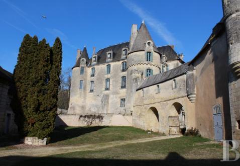 Château / Manoir de luxe à vendre TOURS, 500 m², 8 Chambres, 1495000€