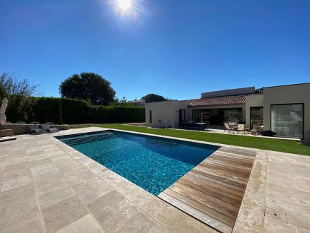 Maison de luxe à louer SAINT QUENTIN LA POTERIE, 190 m², 4 Chambres,