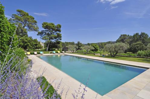 Luxury House for rent ORGON, 600 m², 8 Bedrooms,