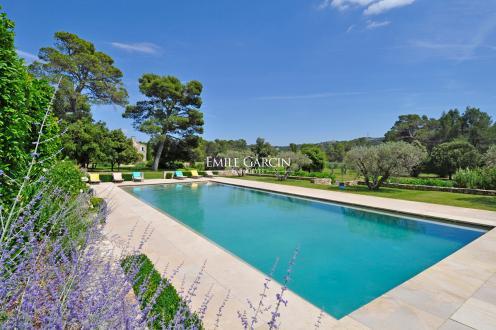 Luxus-Haus zu vermieten ORGON, 600 m², 8 Schlafzimmer,