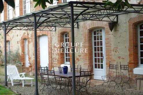 Hôtel particulier de luxe à vendre CASTELSARRASIN, 600 m², 8 Chambres, 690000€