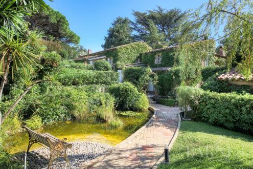 Maison de luxe à vendre SAINT TROPEZ, 400 m², 6 Chambres, 7800000€