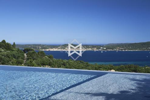 Вилла класса люкс на продажу  Гримо, 355 м², 6 Спальни, 5400000€