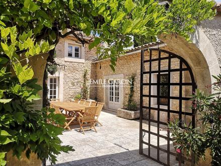 Maison de luxe à louer MENERBES, 250 m², 5 Chambres,