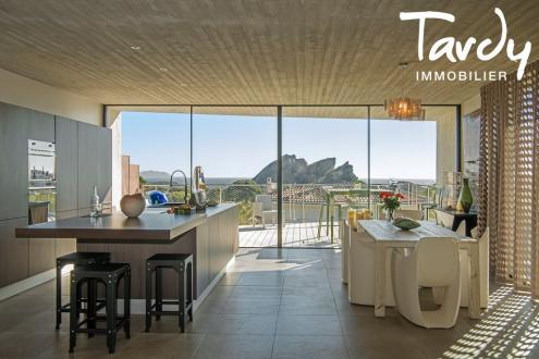Casa di lusso in vendita LA CIOTAT, 200 m², 3 Camere, 1500000€
