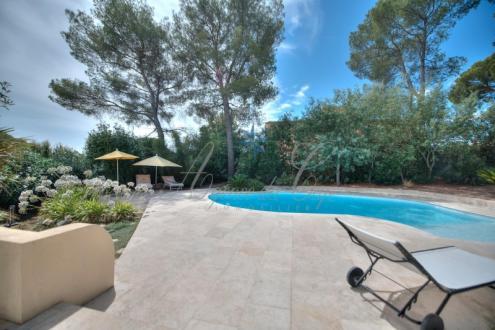 Maison de luxe à vendre FREJUS, 120 m², 3 Chambres, 730000€