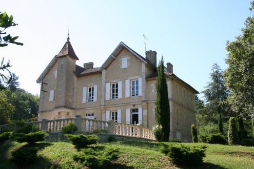 Luxe Kasteel/landhuis te koop AUCH, 330 m², 5 Slaapkamers, 785000€