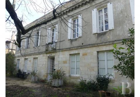 Дом класса люкс на продажу  Бордо, 258 м², 7 Спальни, 1050000€