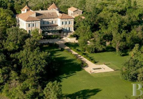 Château / Manoir de luxe à vendre ALES, 1000 m², 9 Chambres, 6000000€
