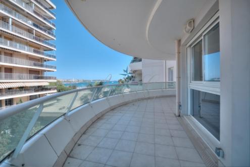 Appartement de luxe à vendre FREJUS, 82 m², 2 Chambres, 599000€