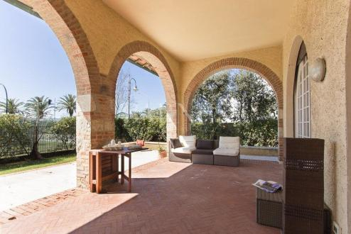 Luxus-Villa zu verkaufen PIETRASANTA, 300 m², 5 Schlafzimmer, 2200000€