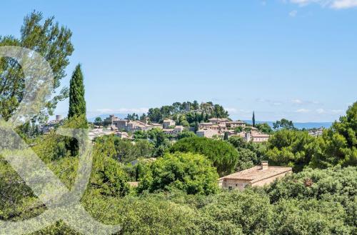 Maison de luxe à vendre EYGALIERES, 282 m², 5 Chambres, 3398000€