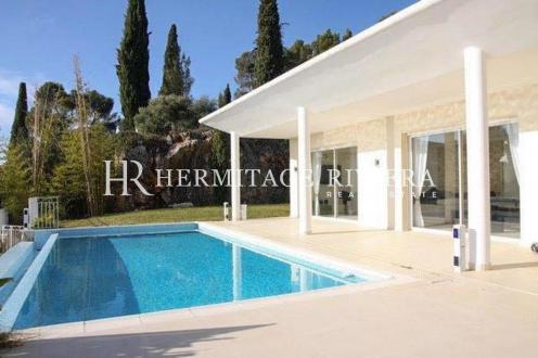 Maison de luxe à louer NICE, 250 m², 5 Chambres