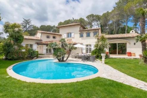 Villa de luxe à vendre MOUGINS, 250 m², 4 Chambres, 1720000€