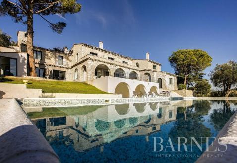 Casa di lusso in vendita MOUGINS, 600 m², 8 Camere, 4950000€