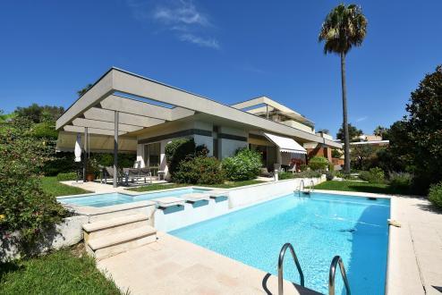 Вилла класса люкс на продажу  Антиб, 225 м², 5 Спальни, 1470000€