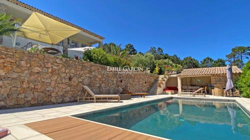 Luxury House for rent THEOULE SUR MER, 300 m², 5 Bedrooms,