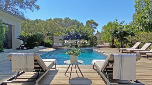 Luxus-Haus zu vermieten MOUGINS, 250 m², 5 Schlafzimmer,