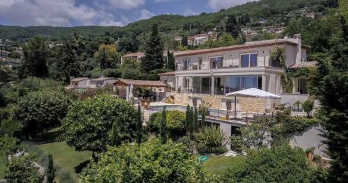 Villa de luxe à vendre CHATEAUNEUF DE GRASSE, 290 m², 5 Chambres, 1800000€