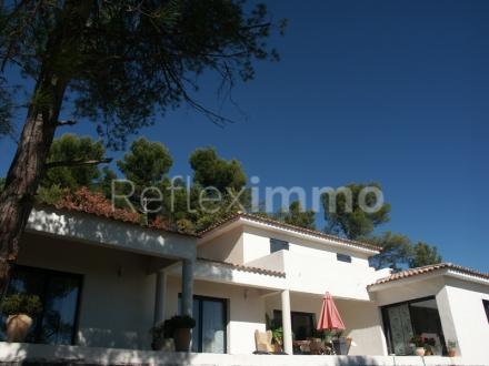 Luxury Property for sale PIERREVERT, €816000
