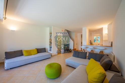 Maison de luxe à vendre GASSIN, 75 m², 2 Chambres, 890000€