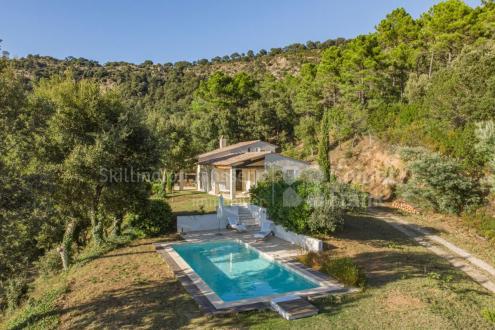 Villa de luxe à vendre LA GARDE FREINET, 137 m², 3 Chambres, 869000€