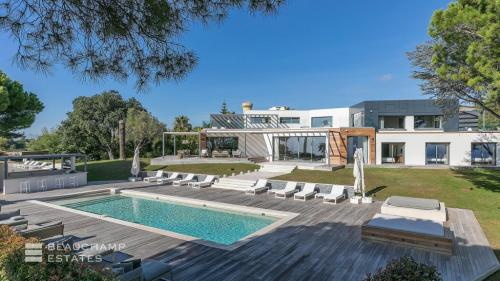 Luxury House for rent CANNES, 700 m², 5 Bedrooms,