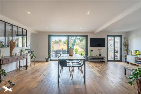 Дом класса люкс на продажу  Бордо, 148 м², 3 Спальни, 728000€