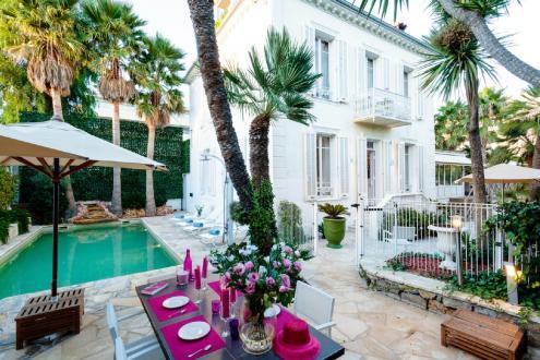Luxus-Haus zu vermieten CAP D'ANTIBES, 300 m², 5 Schlafzimmer,