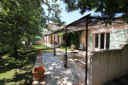 Villa de luxe à vendre PLAN DE LA TOUR, 160 m², 4 Chambres, 895000€