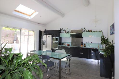 Maison de luxe à vendre MARSEILLE, 130 m², 3 Chambres, 549000€