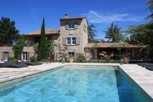 Дом класса люкс на продажу  Менерб, 460 м², 8 Спальни, 2795000€