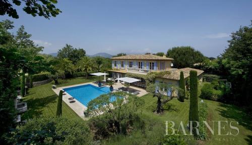 Luxury House for rent SAINT TROPEZ, 461 m², 6 Bedrooms,