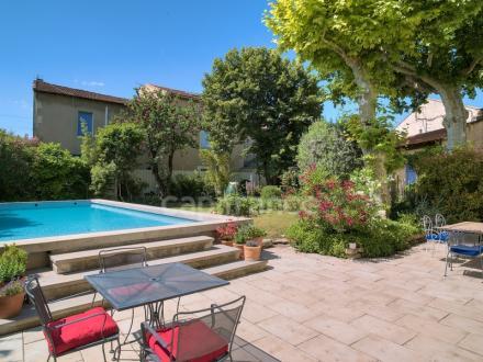 Maison de luxe à vendre EYRAGUES, 260 m², 5 Chambres, 725000€