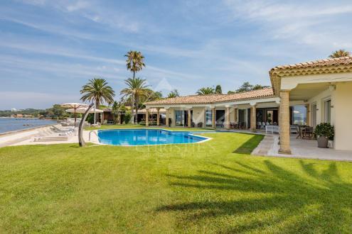 Maison de luxe à louer GASSIN, 500 m², 8 Chambres,