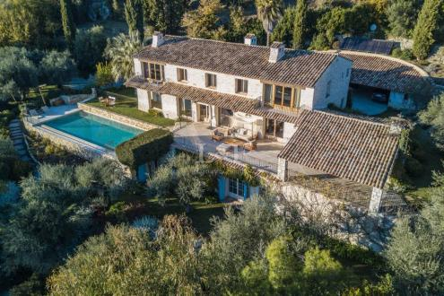 Villa de luxe à vendre CHATEAUNEUF DE GRASSE, 450 m², 6 Chambres, 3600000€